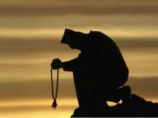 Αποτέλεσμα εικόνας για ΠΩΣ ΕΝΑ ΜΟΝΑΧΟΣ ΕΣΩΣΕ ΤΗΝ ΠΟΡΝΗ ΜΗΤΕΡΑ ΤΟΥ ΑΠΟ ΤΗΝ ΚΟΛΑΣΗ