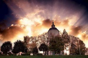 Нетипичная история о Церкви