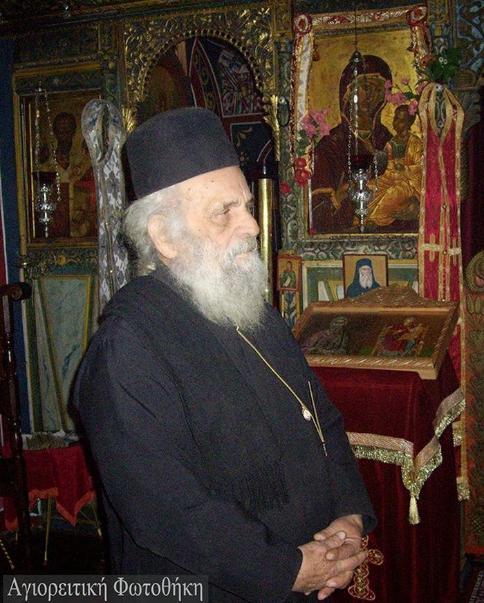 Ioannikios monachos Ravdouchos2 (1927-2012)1.jpg