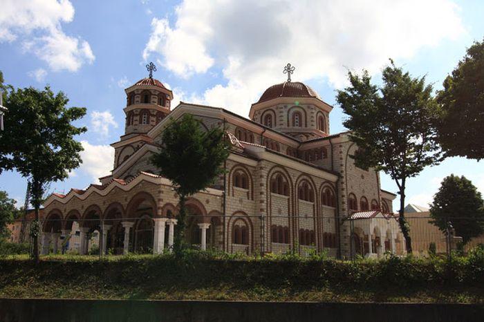 griechisch-orthoxdoxe-kirche-in-esslingen-am-neckar.jpg