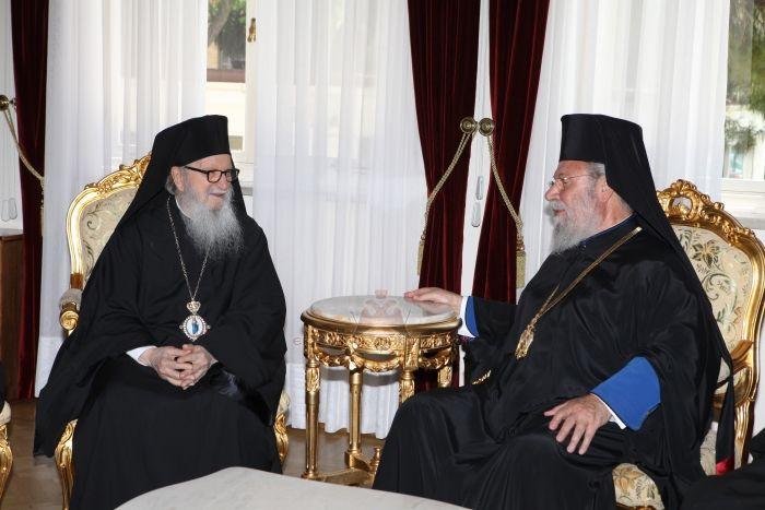 Ο-Αμερικής-Δημήτριος-στην-Ιερά-Αρχιεπισκοπή-Κύπρου-12.7.2016-2.jpg
