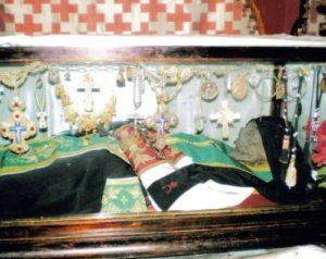 Το Λείψανο του Αγίου Σάββα επιστρέφει στη Μονή του – Σπάνιο βίντεο