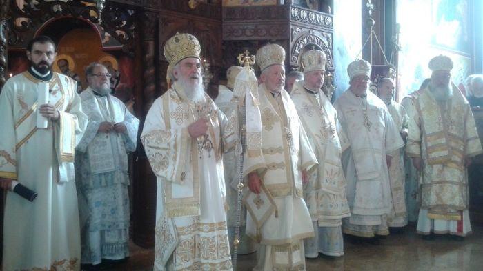 Enthronement-of-Bishop-Mitrofan-Serbian-Orthodox-2.jpg
