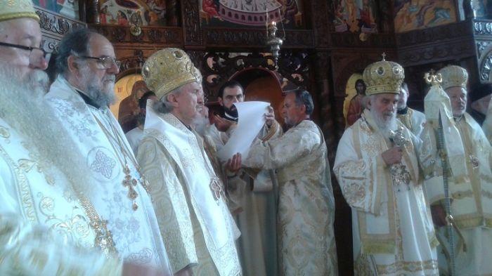 Enthronement-of-Bishop-Mitrofan-Serbian-Orthodox-3.jpg