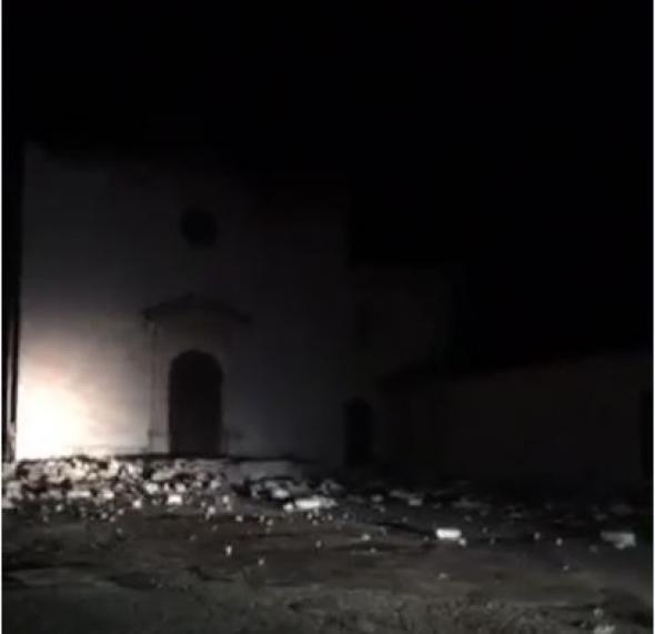 Σκηνές αποκάλυψης στην Ιταλία: Καταστράφηκε εκκλησία από τον σεισμό (ΒΙΝΤΕΟ)