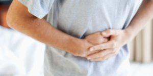 Πόνος στο στομάχι: Ποιοι είναι οι βασικοί λόγοι