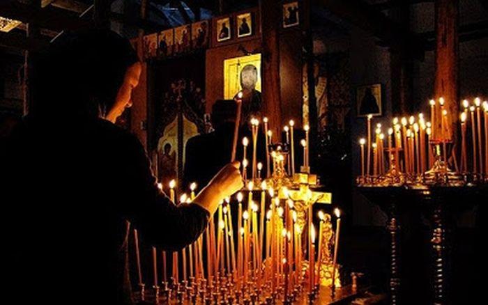 Αποτέλεσμα εικόνας για πρέπει να εκκλησιάζονται οι Χριστιανοί