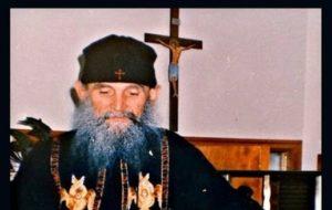 Ο μακαριστός γέροντας Εφραίμ της Αριζόνας λέει την ευχή – Η προσωπική εμπειρία του με τον θάνατο