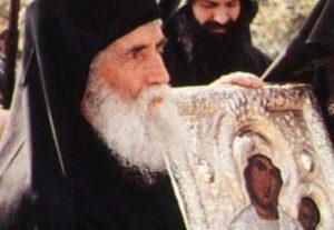 Άγιος Γέροντας Παΐσιος: «Η Παναγία έφερε την παραδεισένια χαρά»
