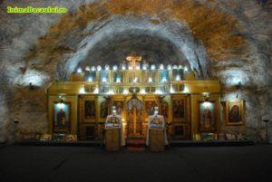 Η υπόγεια εκκλησία της Αγ.Βαρβάρας φτιαγμένη από αλάτι στο Targu Ocna στη Ρουμανία (ΦΩΤΟ)