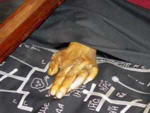 Οσιος Πατάπιος: Το άφθαρτο λείψανο στο Λουτράκι (ΒΙΝΤΕΟ)