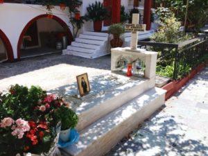 Ο τάφος του Αγίου Ιάκωβου Τσαλίκη