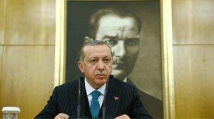Τουρκία: Ο Ερντογάν στρέφει τους μουσουλμάνους κατά των Χριστανών