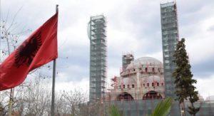 Ξεπουλάνε στην Αλβανία τη Βόρειο Ηπειρο, 12 μίλια, ΑΟΖ και Τσάμηδες
