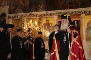 Ο Αρχιεπίσκοπος Ιερώνυμος στον Ι.Ν. Αγίου Γεωργίου Κυνοσάργους (ΦΩΤΟ)