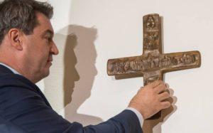 ΓΕΡΜΑΝΙΑ: Η κυβέρνηση της Βαυαρίας θέλει να μπουν σταυροί σε κάθε κυβερνητικό κτίριο
