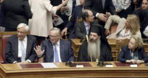 Πρόεδρος Κομισιόν σε Τουρκία: Απελευθευρώστε τους δυο Έλληνες σταστιωτικούς