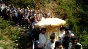 Πάσχα στο Άγιο Όρος: Εικόνες που συγκλονίζουν την Ορθοδοξία