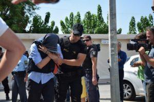 Ελεύθερος με αυστηρούς περιοριστικούς όρους ένας από τους 8 Τούρκους