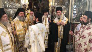 Ο Αρχιεπίσκοπος Κρήτης στο ετήσιο Μνημόσυνο του Κ. Μητσοτάκη (ΦΩΤΟ)