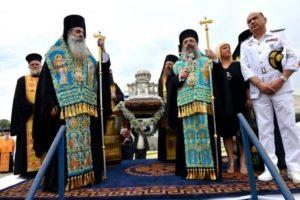 Ο Πειραιάς υποδέχθηκε την Κάρα του Αγίου Ανδρέα από την Πάτρα (ΦΩΤΟ)