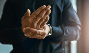 Σκλήρυνση κατά πλάκας: Τα «απλά» πρώιμα συμπτώματα