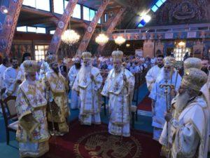 Λαμπρό Συλλείτουργο στη Θρονική Εορτή της Εκκλησίας της Κύπρου (ΦΩΤΟ)