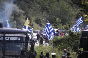Πένθιμα χτυπούσαν οι καμπάνες στις Πρέσπες (ΒΙΝΤΕΟ)