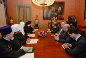 Ο Κοτζιάς στον Πατριάρχη Μόσχας: «Εχουμε ένα κοινό σπίτι, την Ορθοδοξία» (ΦΩΤΟ)