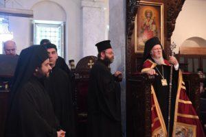 Με τον Οικουμενικό Πατριάρχη στον ανακαινισμένο Ι.Ν. Αγίου Γεωργίου Κυπαρισσά (ΦΩΤΟ)
