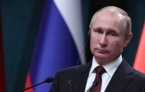 Πούτιν: «Κρατάμε τους όρους «μητέρα» – «πατέρας» αντί για «γονέας 1-2»