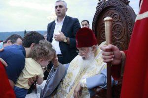 Νονός 36.000 παιδιών έγινε ο Πατριάρχης Γεωργίας Ηλίας – Νέα μαζική βάπτιση (ΦΩΤΟ)