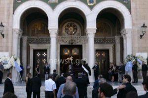 Κηδεία Κόκκαλη: Στη Μητρόπολη το «ύστατο χαίρε» (ΒΙΝΤΕΟ & ΦΩΤΟ)