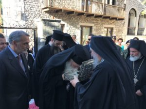 Λείψανα του Αγίου Γρηγορίου Ε' από τη Μονή Εσφιγμένου στη Δημητσάνα