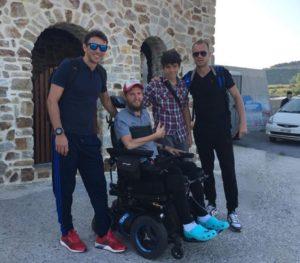 Στο Άγιο Όρος ο ποδοσφαιριστής που έμεινε ανάπηρος και βαπτίστηκε Ορθόδοξος (ΦΩΤΟ)