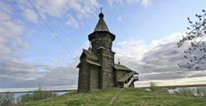 Ιστορική ξύλινη εκκλησία στην Ρωσία καταστράφηκε από φωτιά (ΦΩΤΟ)