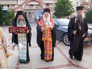 Η Αλεξάνδρεια υποδέχθηκε τεμάχιο Ιερού Λειψάνου και τον Σταυρό του Αγίου Κοσμά του Αιτωλού (ΦΩΤΟ)
