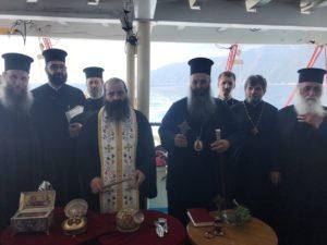 Ο Κίτρους Γεώργιος και προσκυνητές στον περίπλου του Αγίου Όρους (ΦΩΤΟ)