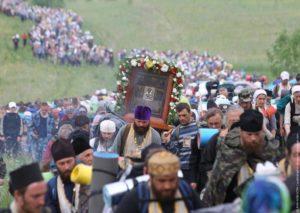 Συγκλονιστικό φωτορεπορτάζ από την μεγαλύτερη Ορθόδοξη λιτανεία στον κόσμο