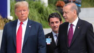 Ειδήσεις-News: Ο Τραμπ απειλεί εκ νέου την Τουρκία