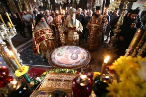 Μεγαλοπρεπής εορτασμός στο Βατοπαίδι για την Αγία Ζώνη