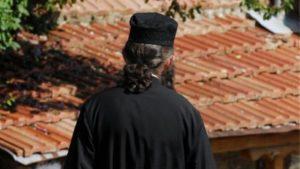 Η Ιεραρχία δεν άφησε τους ιερείς ως πρόβατα επί σφαγήν…