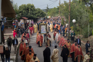 Ιεράρχες και λαός τίμησαν τον Πολιούχο της Λαμίας Ευαγγελιστή Λουκά (ΦΩΤΟ)