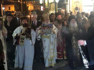 ΤΡΙΠΟΛΗ: Κλήρος και πλήθη λαού υποδέχτηκαν την Αγία Ζώνη της Παναγίας