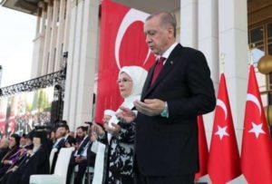 «Κυρώσεις στην Τουρκία, για να μάθει να σέβεται»