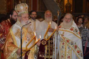 Δισαρχιερατική Θεία Λειτουργία ενώπιον της Αγίας Ζώνης στη Τρίπολη (ΦΩΤΟ)