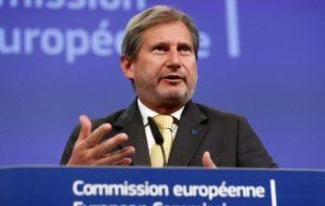 Επίτροπος Χαν: Stop στις ενταξιακές διαπραγματεύσεις για Τουρκία