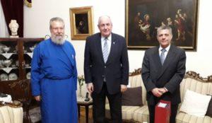 Με τον Τέρενς Κουίκ συναντήθηκε ο Κύπρου Χρυσόστομος
