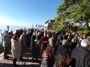 Λουτράκι: Πλήθη λαού στον εορτασμό για τον Αγιο Πατάπιο (ΦΩΤΟ)