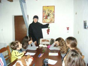 Μικροί μαθητές επισκέφθηκαν την Ι.Μ. Παναγίας Χρυσοπηγής Σικίνου (ΦΩΤΟ)